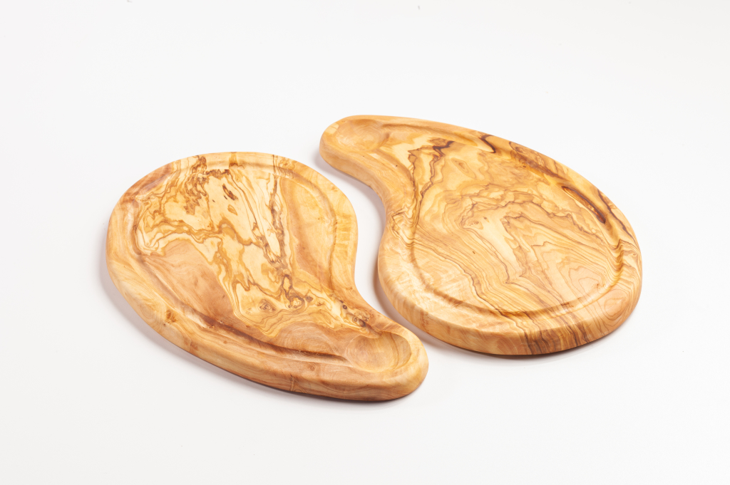 "Steakbrett aus Olivenholz, "" Ying Yang"", mit Saftrille ca. 30x15cm"