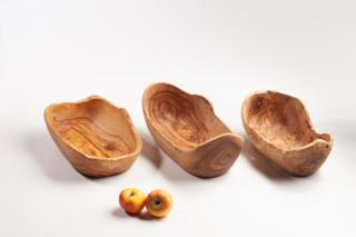 Obstschale aus Olivenholz mit Wald- / Naturkante