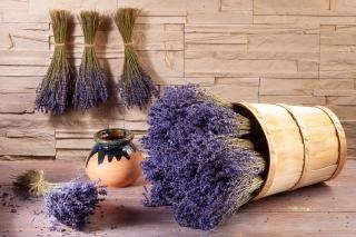 Lavendelstrauß aus der Provence im Spankorb